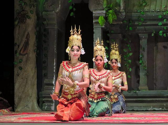 Circuit Vietnam en petit groupe danse apsara siemreap