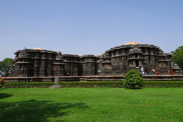 Circuit Inde du Sud temple Halebid
