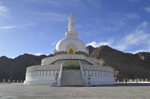 Shanti stupa leh ladak