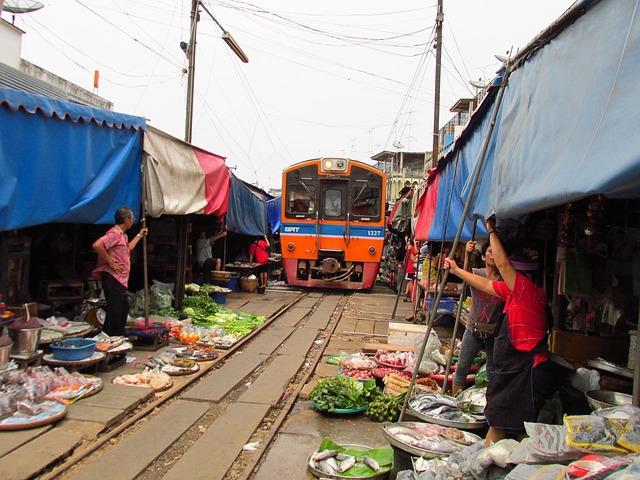 Circuit Thaïlande en petit groupe Marché du train mae Klong bangkok